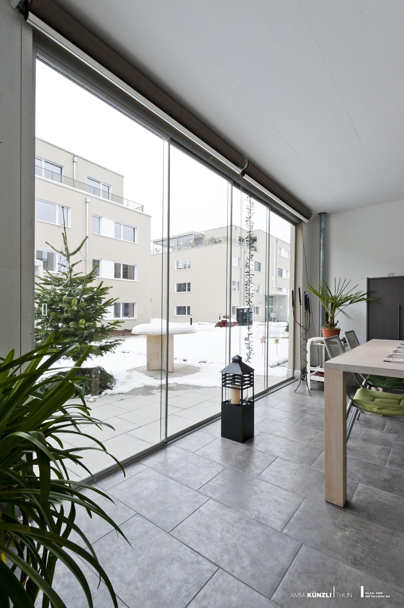 angebot balkon terrassen verglasung amm k nzli thun glas metallbau ag. Black Bedroom Furniture Sets. Home Design Ideas